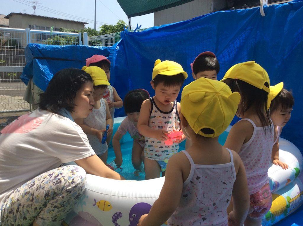 夏といえばプールです!!